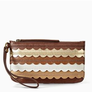 NWOT Relic by Fossil Takeaway Scalloped Wristlet